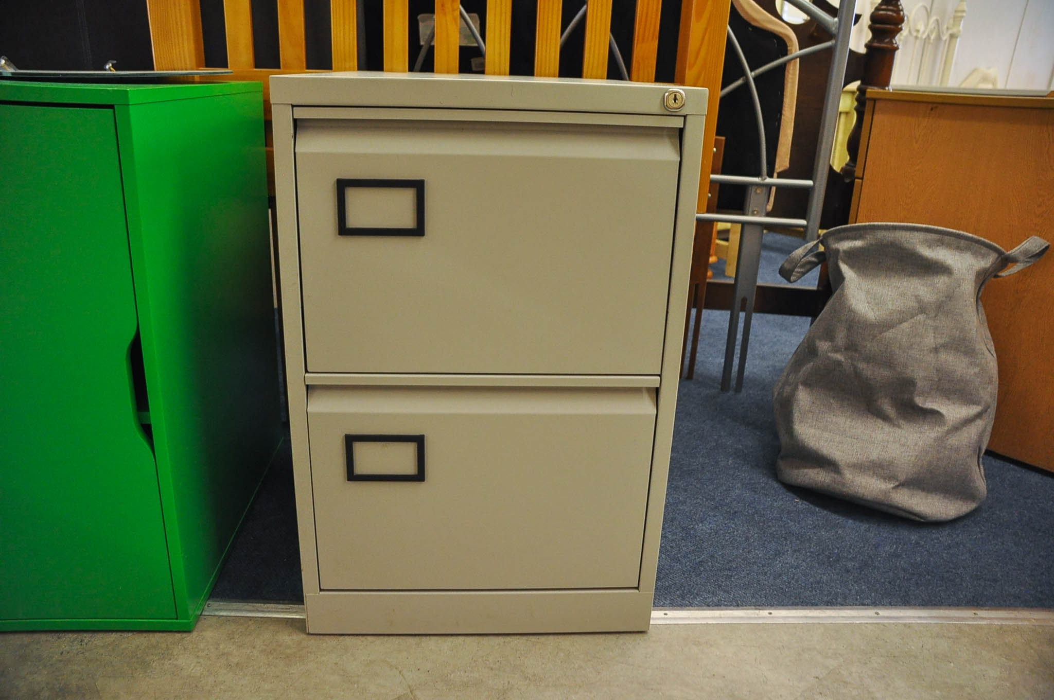 2 drawer metal filing cabinet. No key.