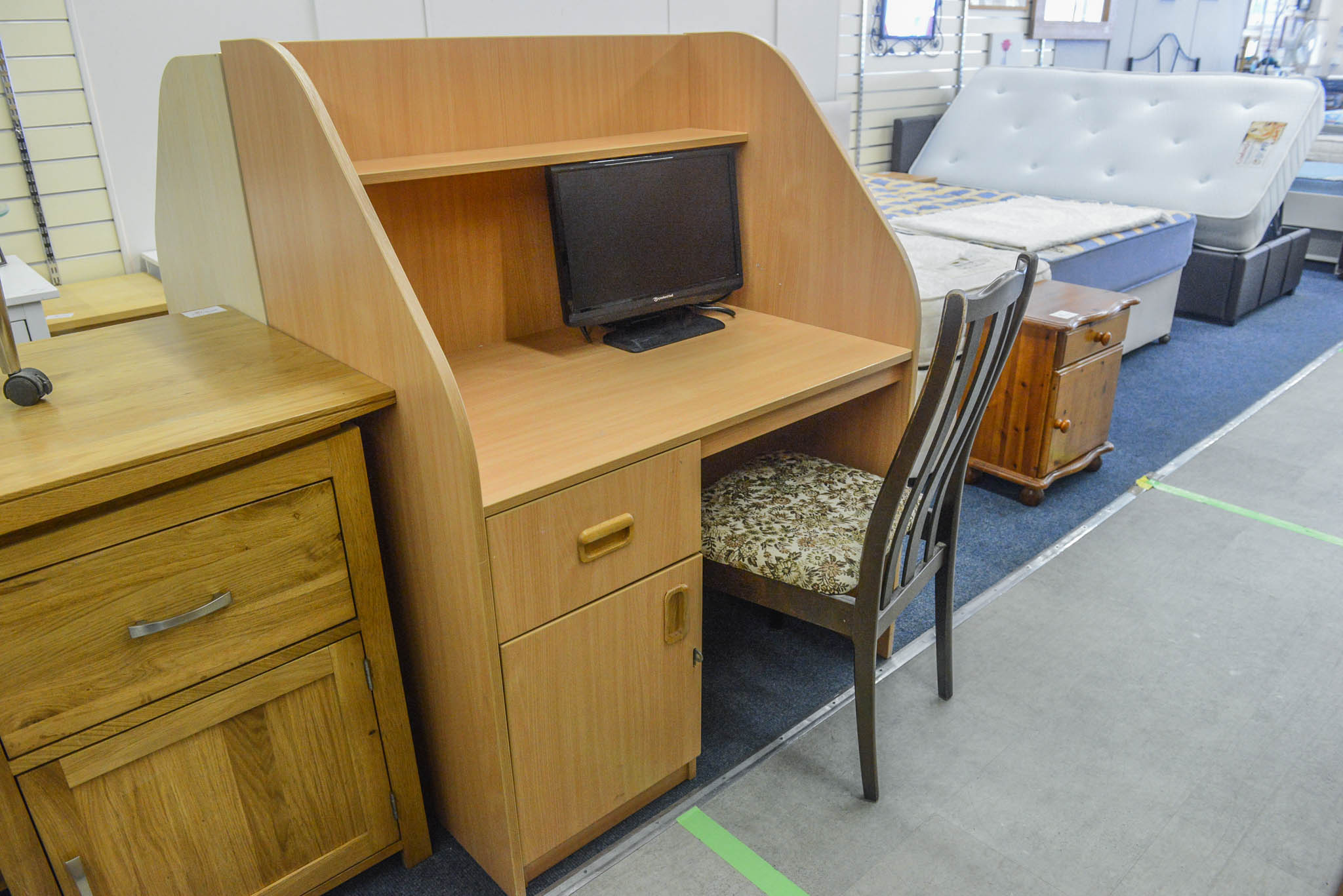 Workstation Desk with fixed pedestal. 1m wide, 65cm deep, 1.28m tall.